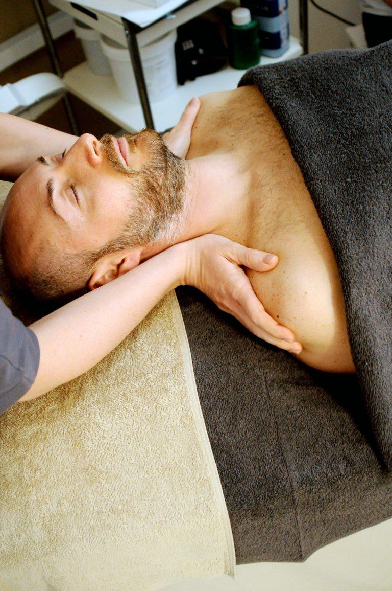 ontspannende massage in duo in een arrangement met de privé wellness